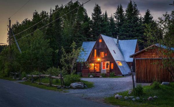 Hotel Pictures: Au Sommet du Fjord, Sacré-Coeur-Saguenay