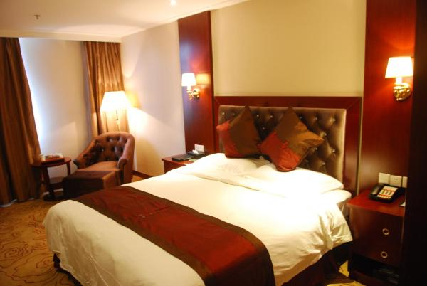 Deluxe Suite with Double Bed