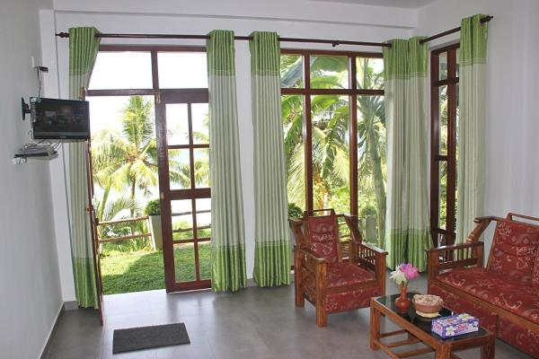 Family Room with Sea View