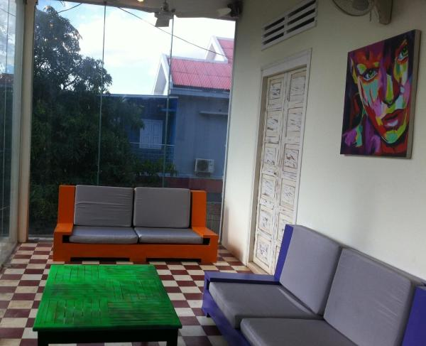 1 Bed in 6-Bed A/C Mixed Dormitory Room with Shared Bathroom