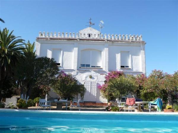 Hotel Pictures: Hotel Rural Histórico El Vaqueril, Navas del Madroño
