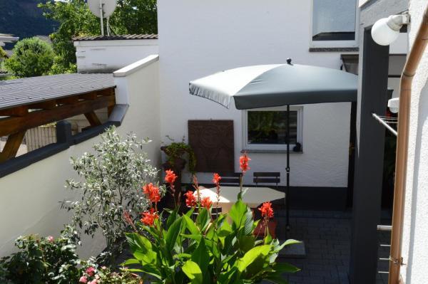 Hotel Pictures: Ferienwohnung Am Bergweg, Löf