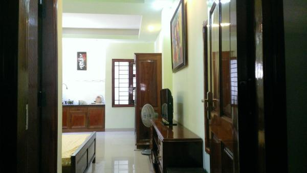 Studio Apartment with Small Window