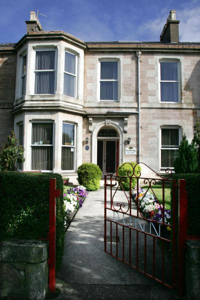 Hotel Pictures: The Dunn Thing, Ayr