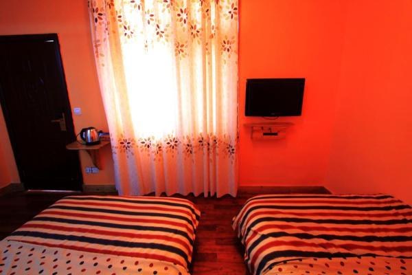 Standard Twin Room 3