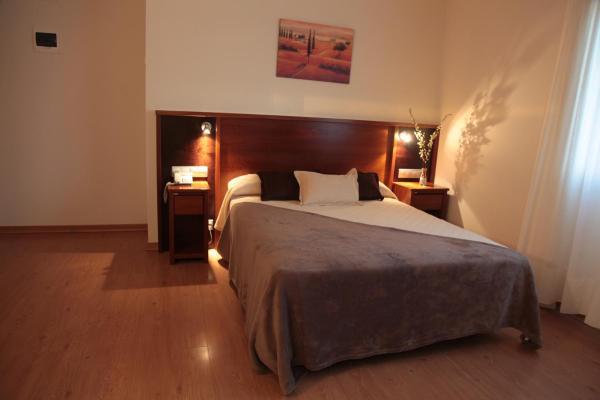 Hotel Pictures: , San Ciprián de Viñas