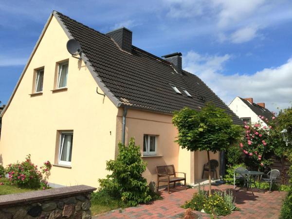 Hotel Pictures: Ferienhaus in Bartelshagen II, Hessenburg