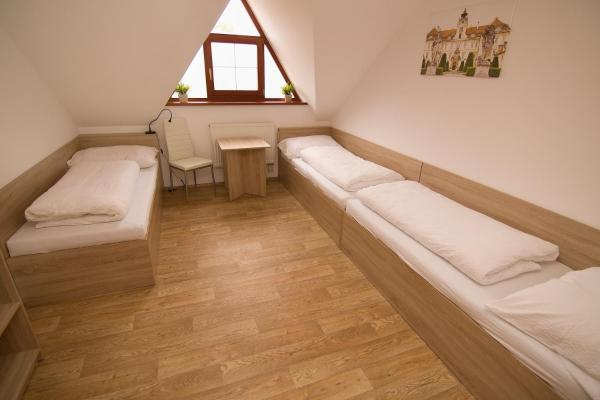 Classic Triple Room with Shared Bathroom