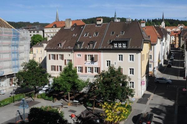 Hotel Pictures: Chez Gilles, La Chaux-de-Fonds