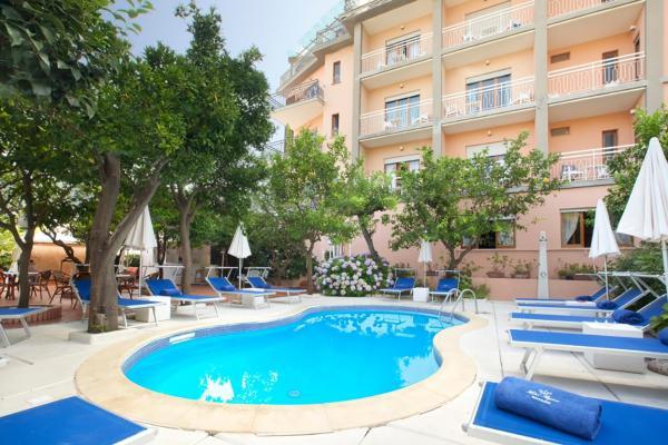 Hotel Pictures: Hotel Regina, Sorrento