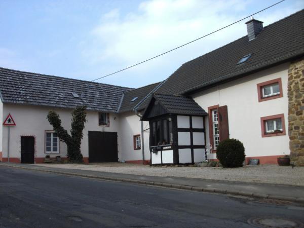 Hotel Pictures: Haus Klara, Mannebach