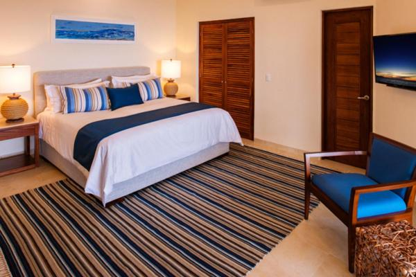 Deluxe King Suite with Terrace and Sea View