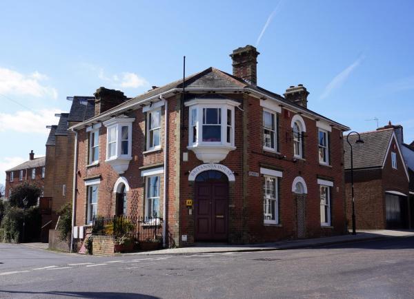 Hotel Pictures: Britannia House, Lymington