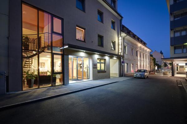 酒店图片: Hotel Zlami-Holzer, 克拉根福