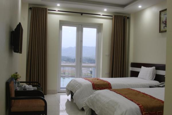 Twin Room with Lake View
