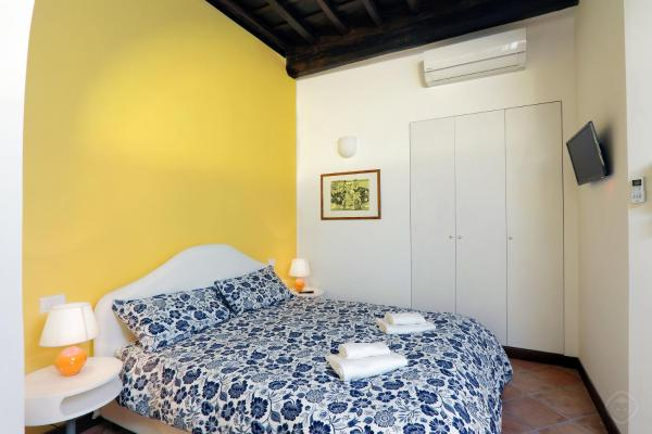 Studio Apartment II