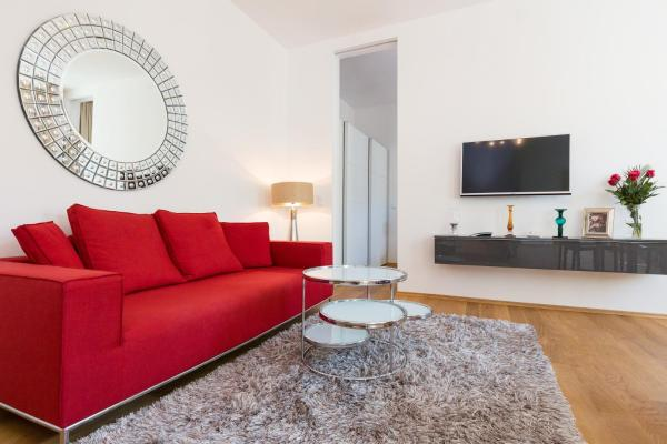 One-Bedroom Apartment - Violet