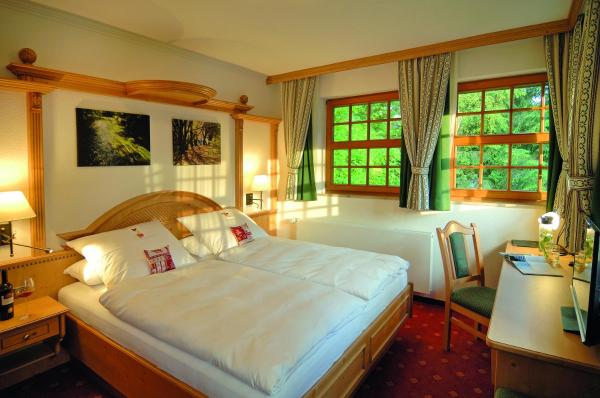 Hotel Pictures: Alpenhof, Gauting