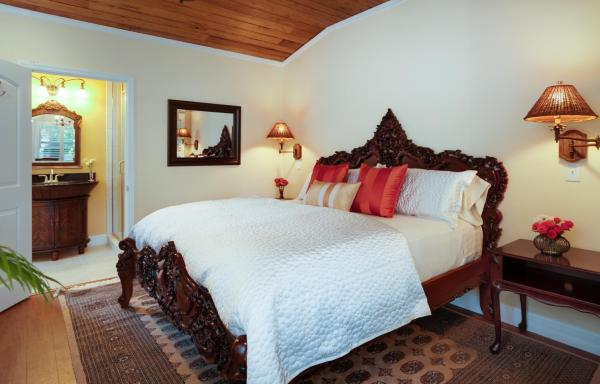 Superior King Room with Shower and Balcony