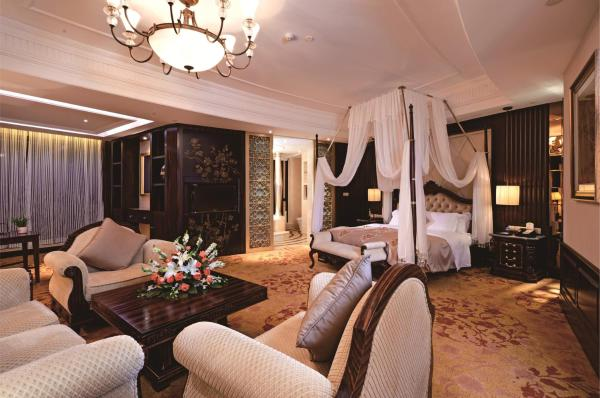 Deluxe Suite with River View