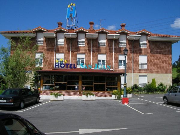 Hotel Pictures: San Juan, Revilla de Camargo