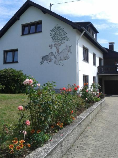 Hotelbilleder: Ferienwohnung Fülbier, Oberzissen