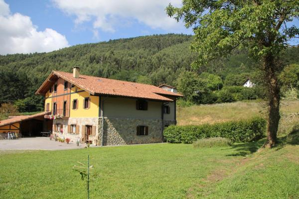 Hotel Pictures: EcoHotel Rural Angiz, Busturia