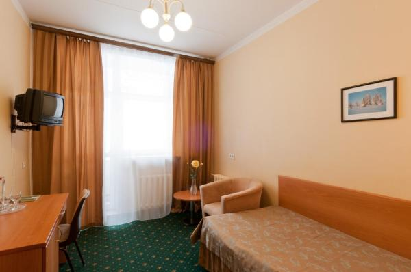 Comfort Single Room - Treatment Included