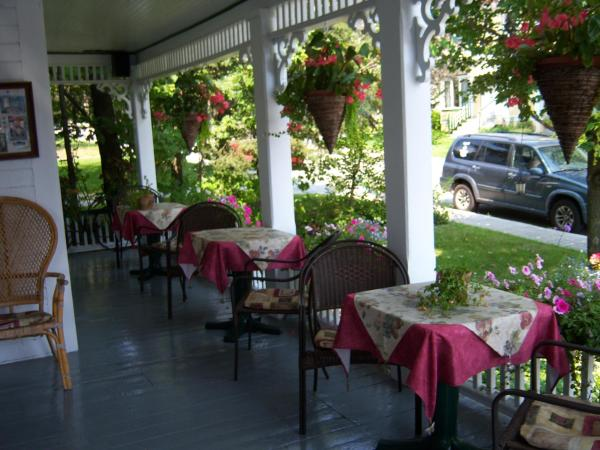 Hotel Pictures: Ici et Maintenant, Magog-Orford