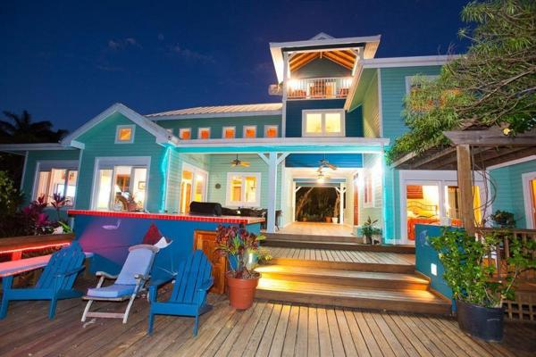 7-Bedroom Holiday home