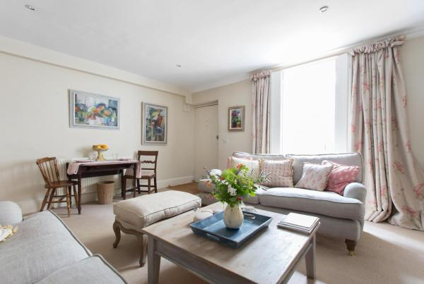Two-Bedroom apartment - Ifield Road X