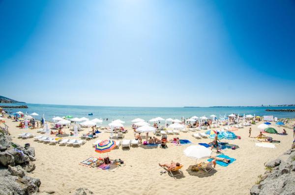 Photos de l'hôtel: Prestige Fort Beach Hotel - Full Board, Sveti Vlas