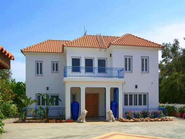 Hotel Pictures: Meneou Beach Road Home, Meneou