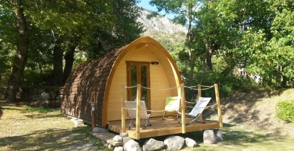 Hotel Pictures: Les Cabanes du Martagon, Villars-Colmars
