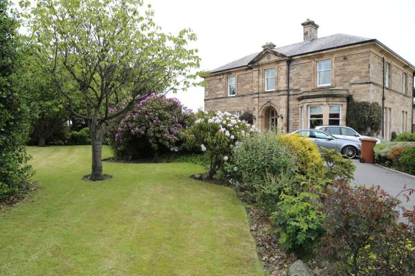 Hotel Pictures: The Pines Guesthouse, Elgin