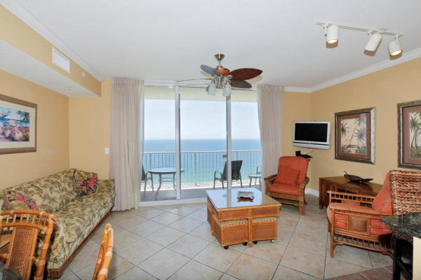 Two-Bedroom Apartment with Sea View - 2014