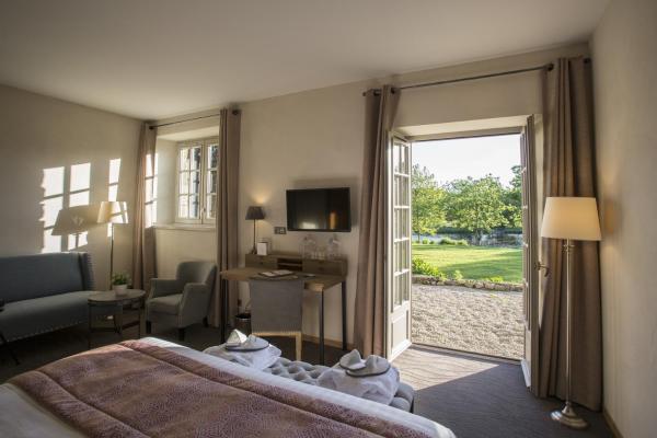 Hotel Pictures: Relais du silence Hôtel de l'Abbaye, Le Tronchet