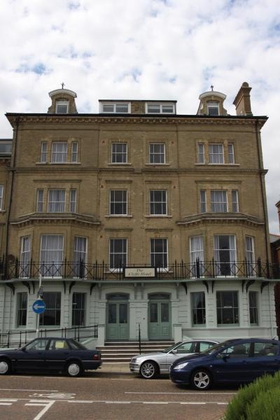 Hotel Pictures: The Clyffe Hotel, Lowestoft