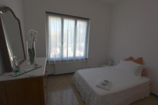 Single Room with Garden View and shared external bathroom