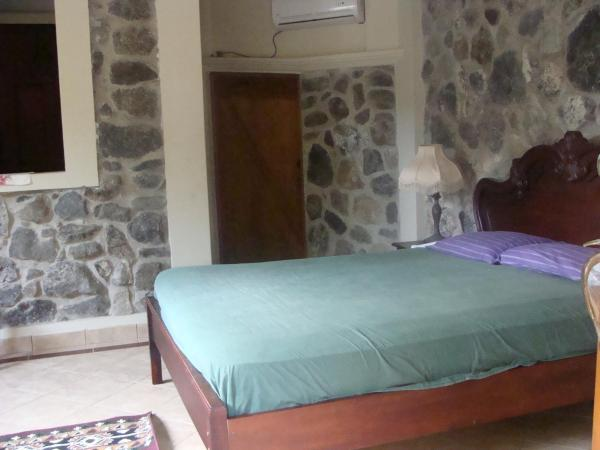 Hotel Pictures: Letwin Little castle, Ayampe