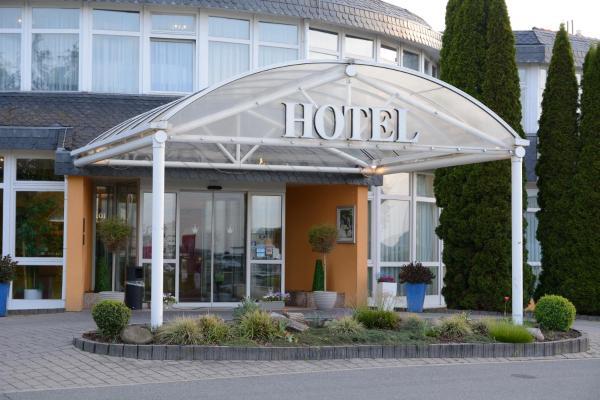 Hotel Pictures: AVALON Hotelpark Königshof, Königslutter am Elm