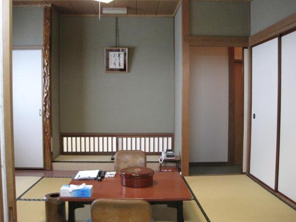 Japanese-Style Standard Room with Shared Bathroom and Garden View