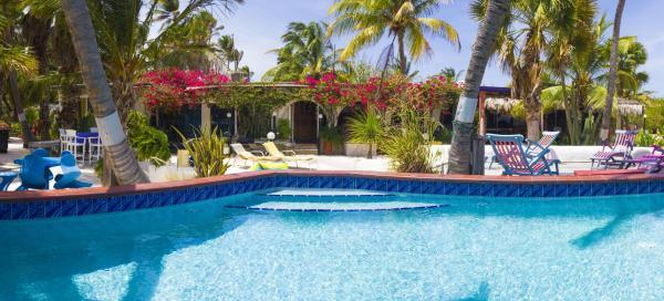 Hotel Pictures: Beach House Aruba Apartments, Palm-Eagle Beach