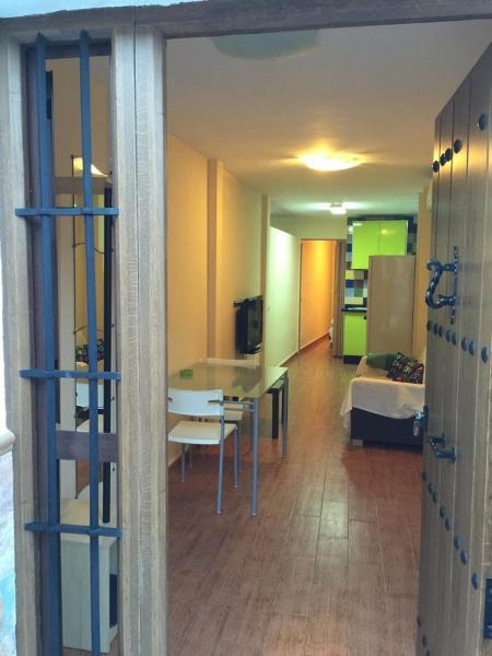 Hotel Pictures: Apartments Vientos de Santa María, Alora