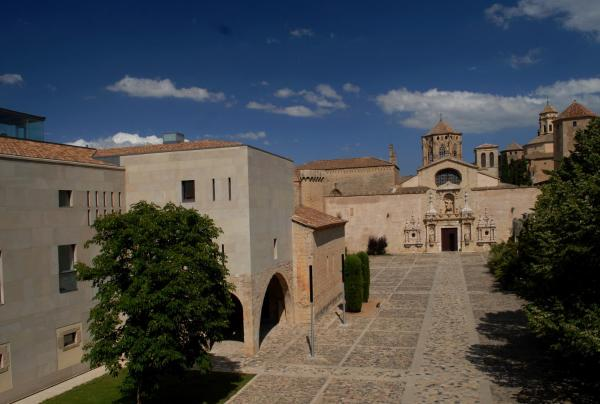Hotel Pictures: , Poblet