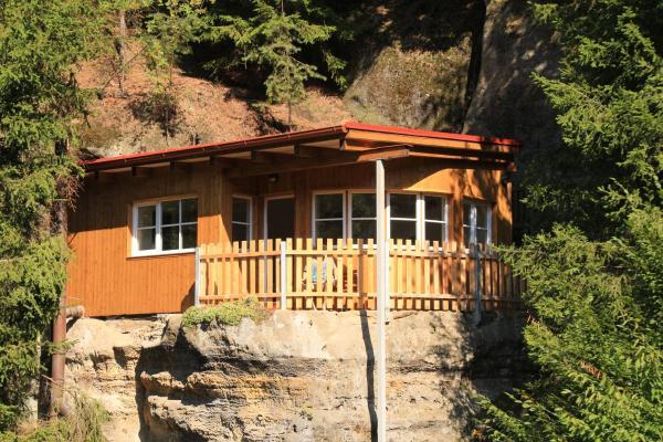 Hotel Pictures: Malběnka - chata na skále pod hradem Kokořín, Kokořín