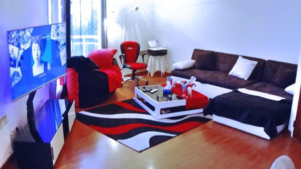 Hotel Pictures: Cosy Flat Close Saint Lazare, Argenteuil