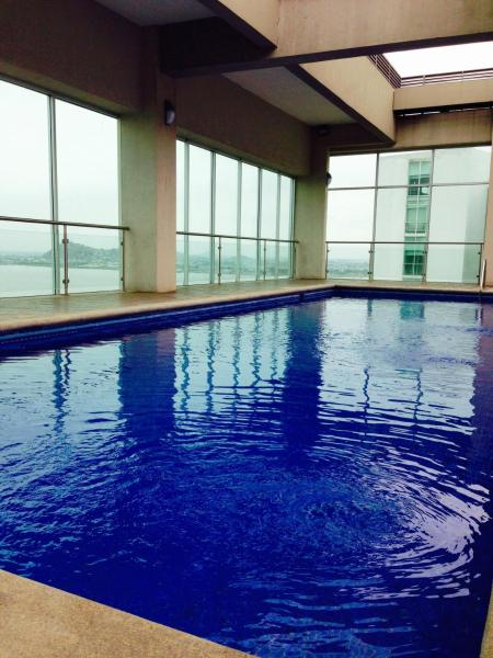 Hotel Pictures: Luxury Apartment Suite River Front 2, Guayaquil