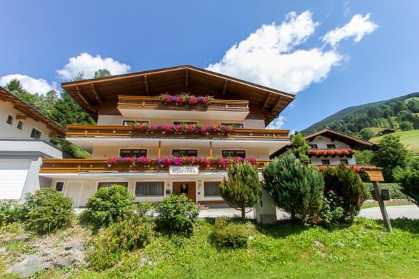 Hotel Pictures: Appartements Alpenrose by Easy Holiday, Viehhofen