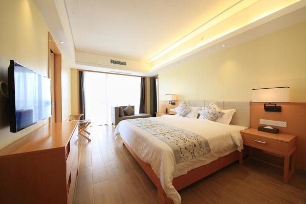 Deluxe Queen Room with Sea View